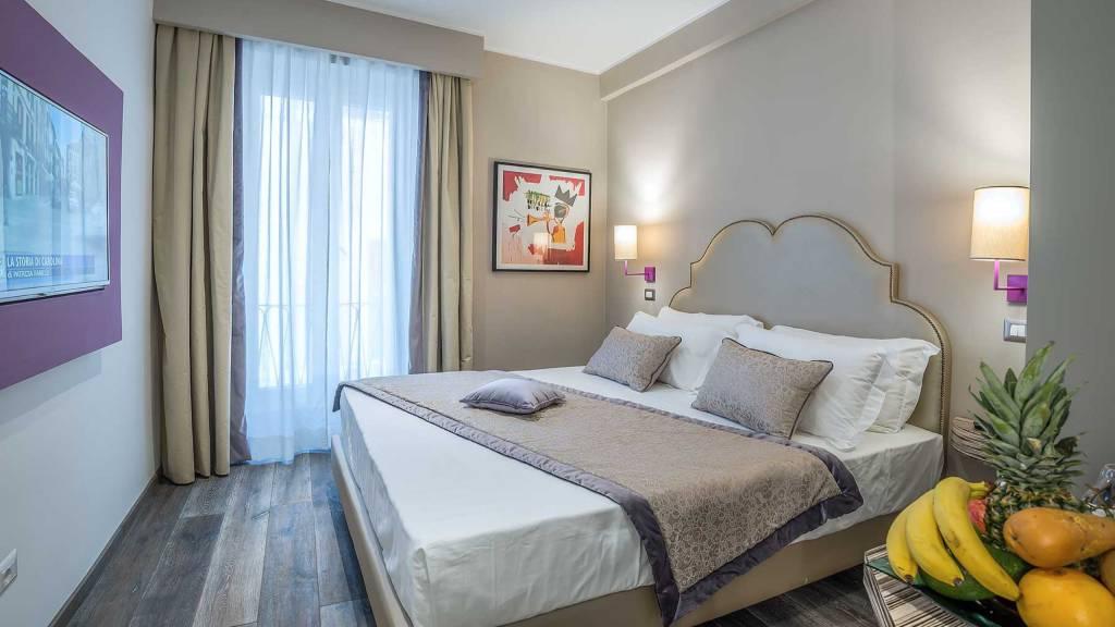 Colonna-suite-del-corso-rome-small-room-bed-302b-6