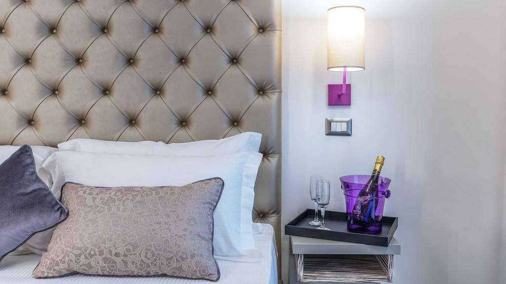 Colonna-suite-del-corso-rome-small-room-details-303f-16