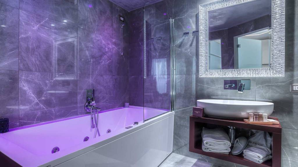 Colonna-suite-del-corso-rome-king-jacuzzi-bath-305i-18