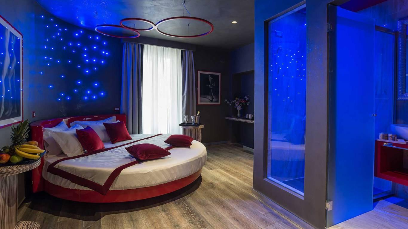 Colonna-suite-del-corso-rome-deluxe-room-bed-301-45