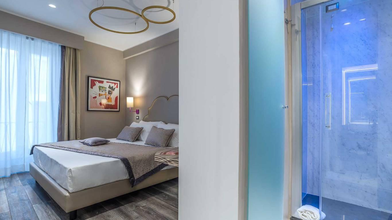 Colonna-suite-del-corso-rome-small-room-bed-302a-5
