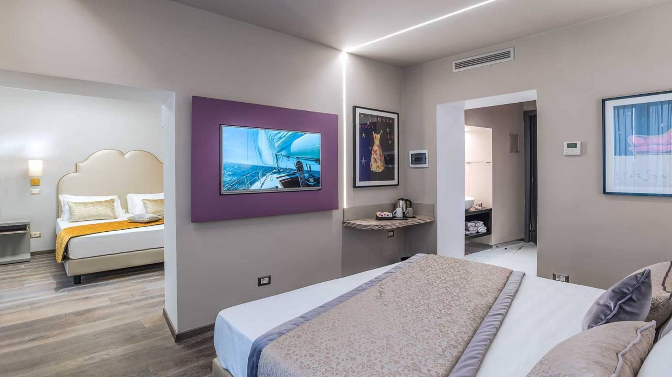 Colonna-suite-del-corso-rome-family-room-303-10