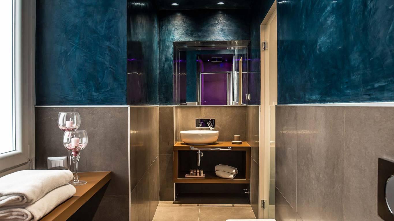 Colonna-suite-del-corso-rome-superior-room-bathroom-103d-5