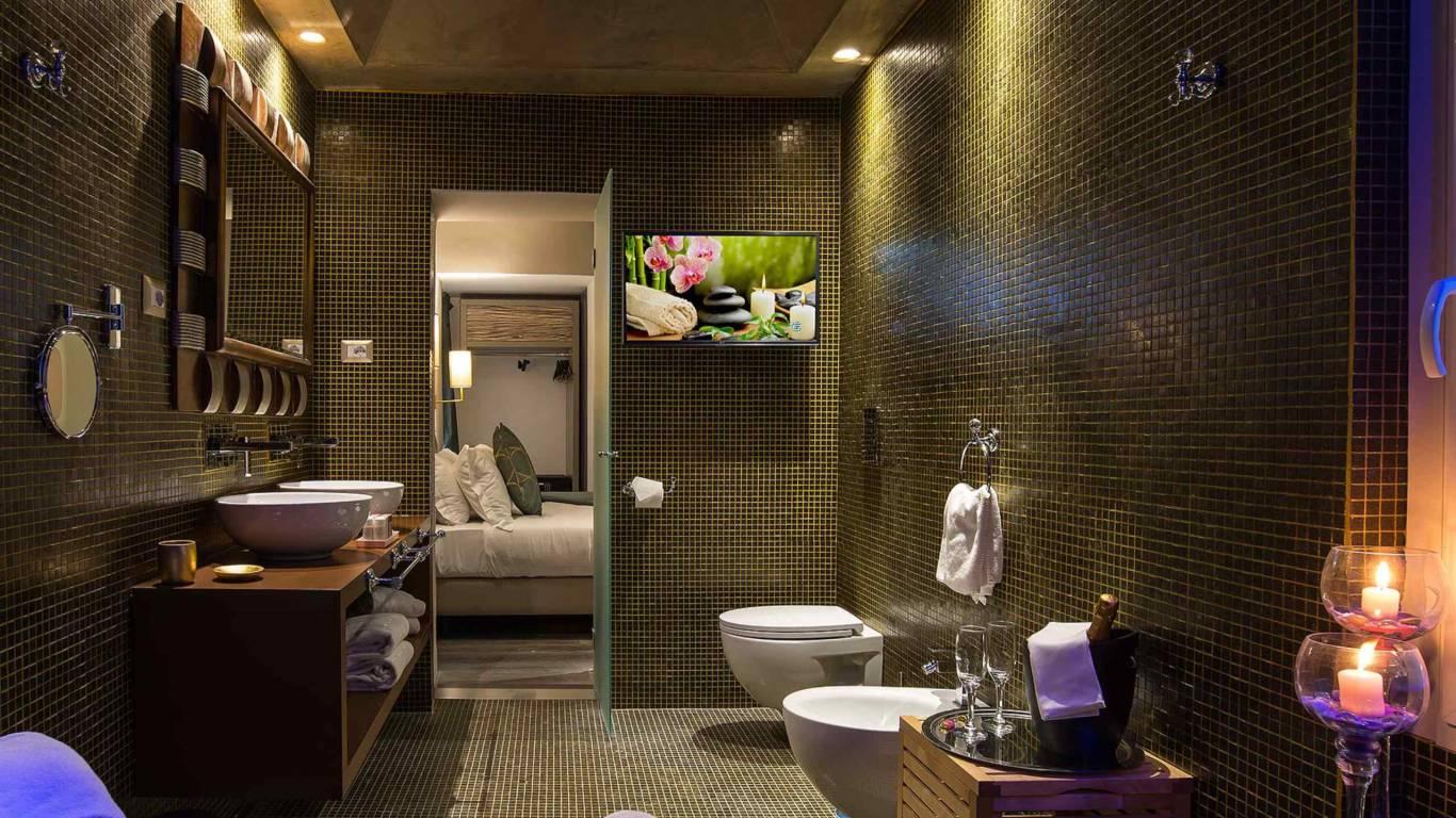 Colonna-suite-del-corso-rome-suite-luxury-bathroom-107-1