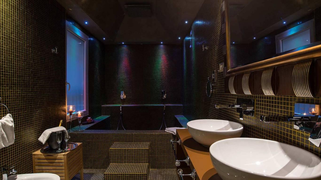 Colonna-suite-del-corso-rome-suite-luxury-bath-107-6