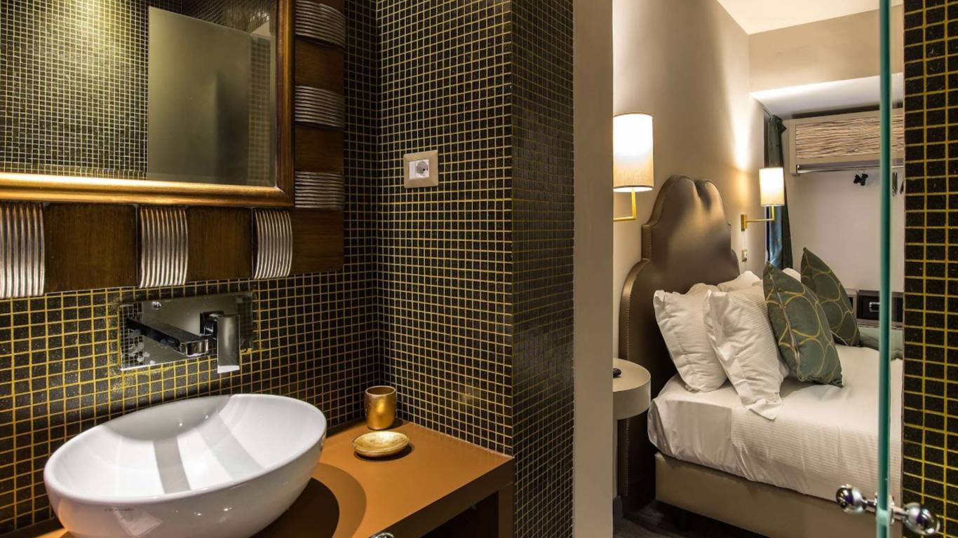 Colonna-suite-del-corso-rome-suite-luxury-bathroom-107d-8