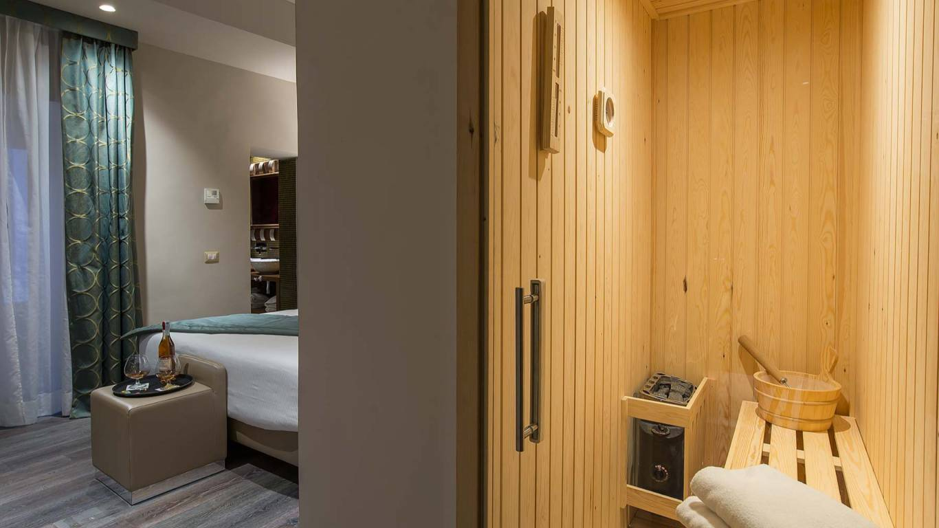 Colonna-suite-del-corso-rome-suite-luxury-sauna-26