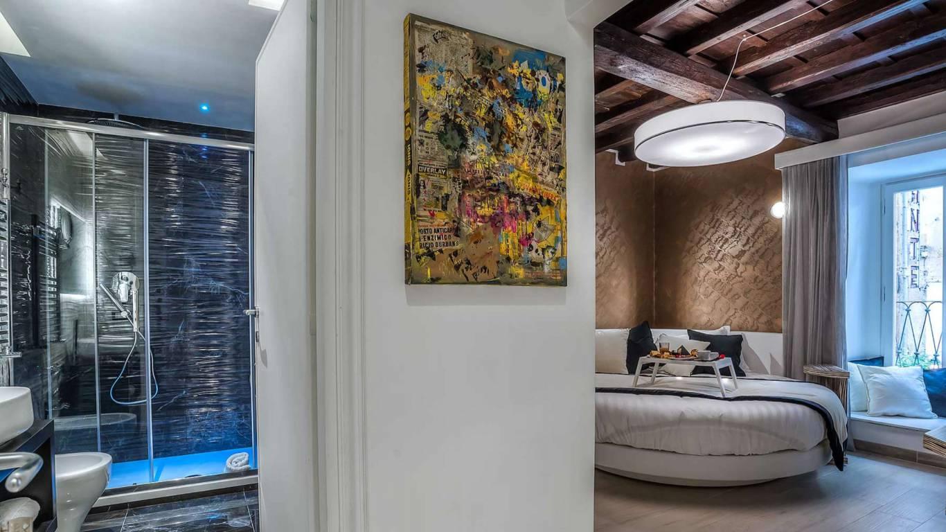 Colonna-suite-del-corso-guest-house-rome-deluxe-brown-room-3653