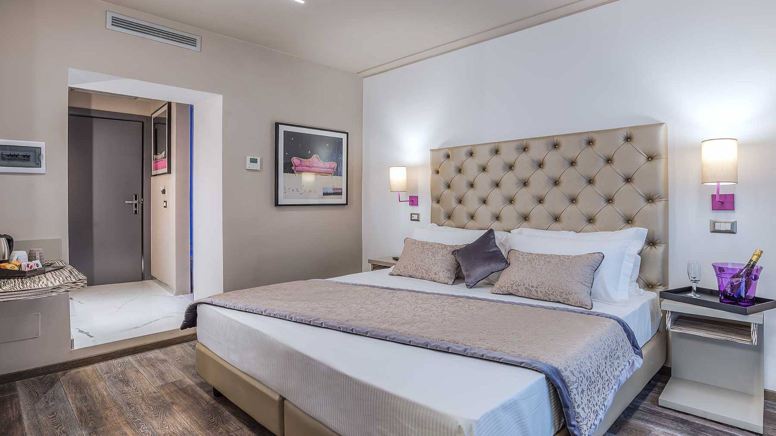 Colonna-suite-del-corso-rome-family-room-bed-303a-11