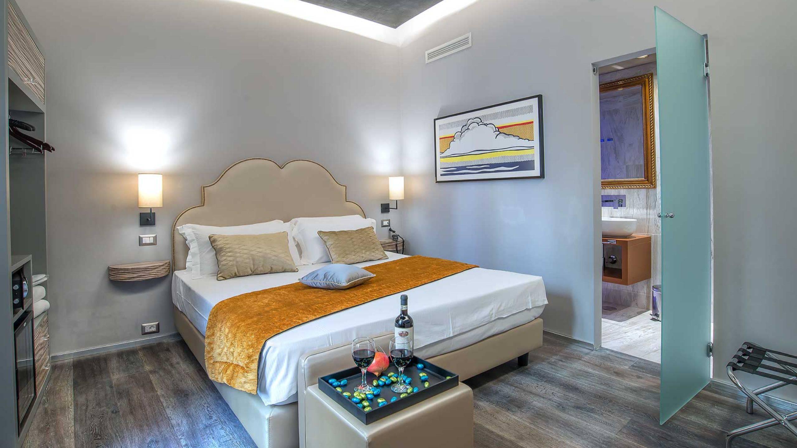 Colonna-suite-del-corso-rome-superior-room-bed-205a-20