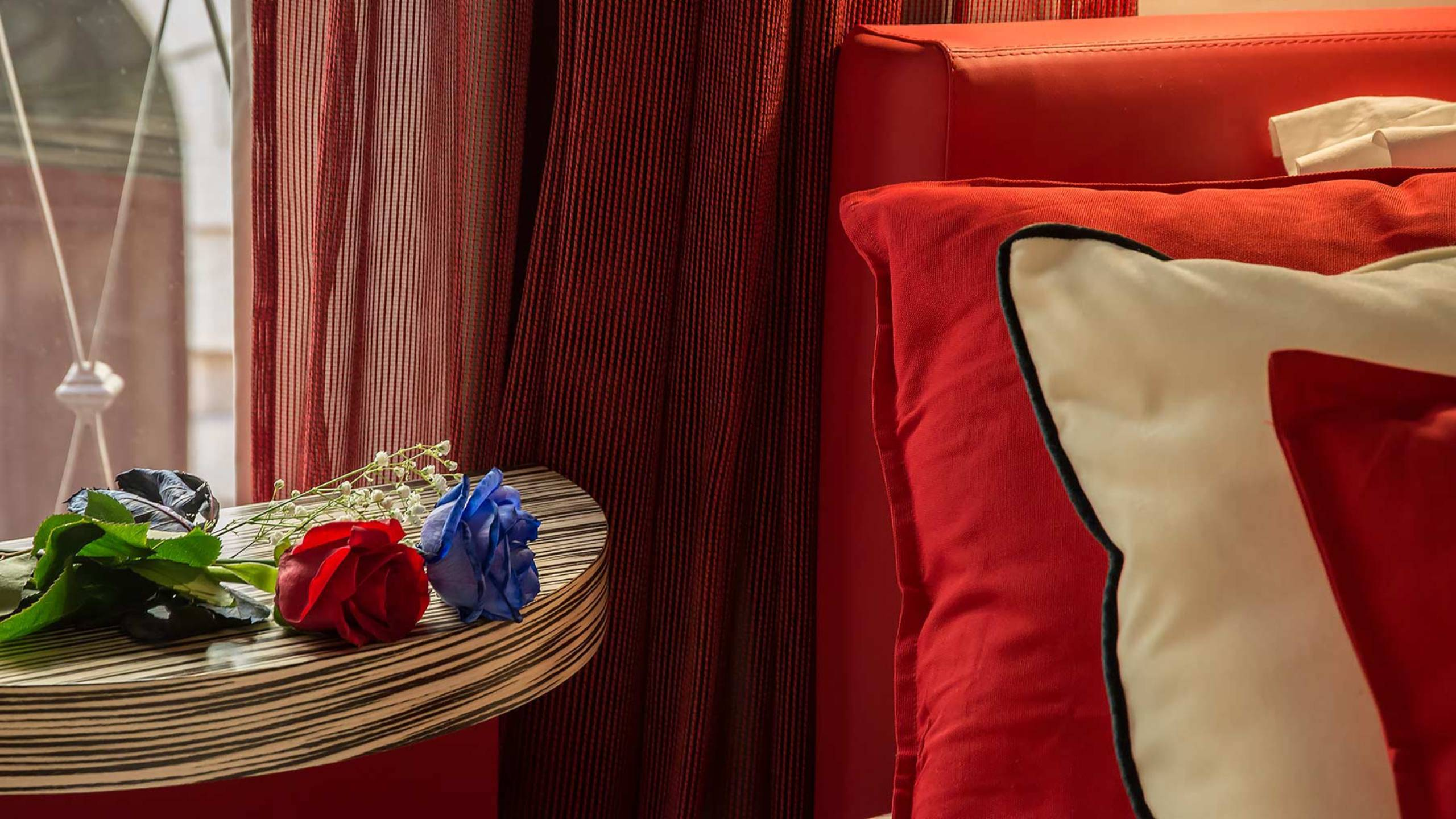 Colonna-suite-del-corso-guest-house-rome-deluxe-red-room-3631