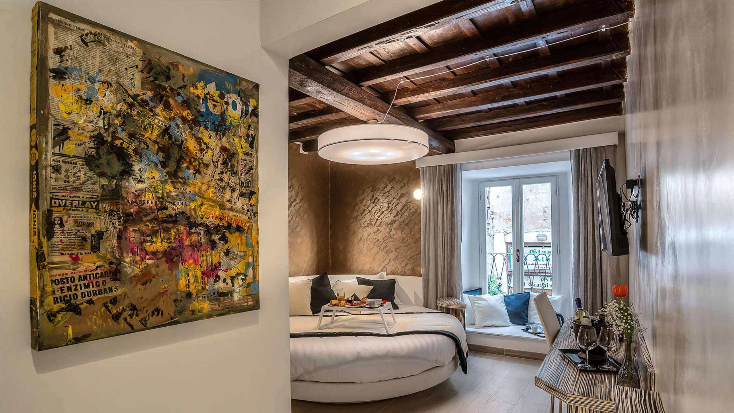Colonna-suite-del-corso-guest-house-rome-deluxe-brown-room-3652