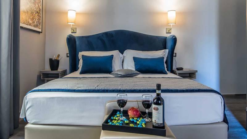 Colonna-suite-del-corso-rome-superior-room-bed-203c-18